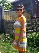 Вот такое платье для дачи и дома я связала из всевозможных клубочков ниток ириса, снежинки и т.д. фото 1