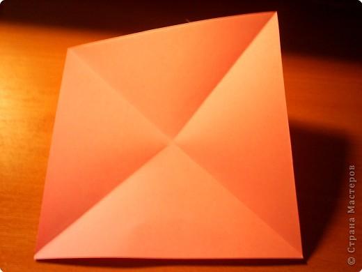 """Кусудама """"Электра"""". Автор David Mitchell Для работы приготовьте квадраты со стороной 75мм. Хорошо подходят стикеры двух цветов (http://stranamasterov.ru/node/16443) по 60 квадратов разного цвета.  фото 2"""