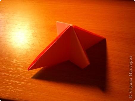 """Кусудама """"Электра"""". Автор David Mitchell Для работы приготовьте квадраты со стороной 75мм. Хорошо подходят стикеры двух цветов (http://stranamasterov.ru/node/16443) по 60 квадратов разного цвета.  фото 13"""