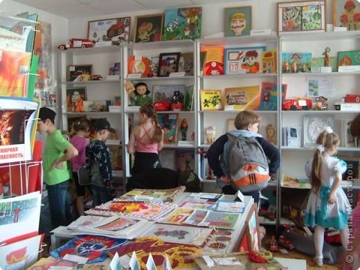 Выставка творческих работ в Центре противопожарной пропаганды фото 1