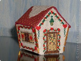 Вышивка: Новогодний домик
