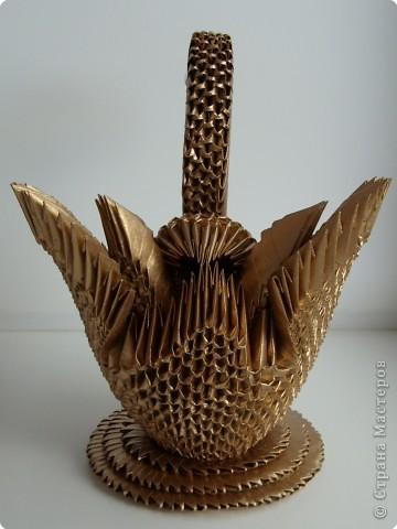 """Оригами модульное: Газетный лебедь """"Золотце"""" фото 3"""