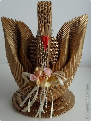 """Оригами модульное: Газетный лебедь """"Золотце"""" фото 2"""