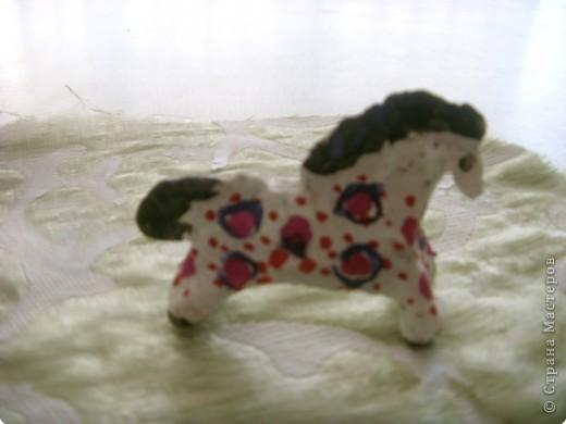Дети и родители выполнили творческие летние задания, принесли дымковских лошадок. Вот какие они , во всей красе! фото 3