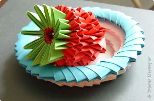 Оригами модульное: Клубника на блюдце фото 2