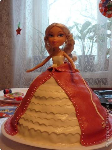 "Торт ""Кукла Братц"""