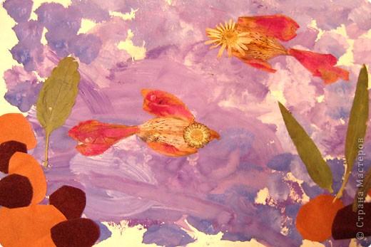Бабочки. Это одни из первых работ, когда мы начали знакоство с красками. Больше всего сыну нравилось рисовать гуашью, смешивать на листе различные цвета.  фото 3