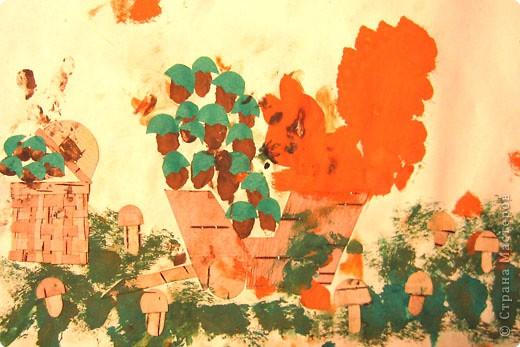 Бабочки. Это одни из первых работ, когда мы начали знакоство с красками. Больше всего сыну нравилось рисовать гуашью, смешивать на листе различные цвета.  фото 5