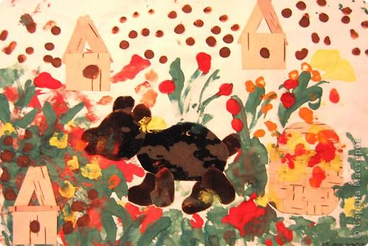 Бабочки. Это одни из первых работ, когда мы начали знакоство с красками. Больше всего сыну нравилось рисовать гуашью, смешивать на листе различные цвета.  фото 6