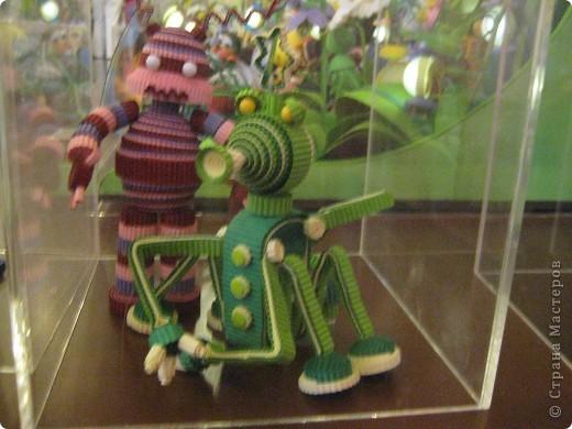 В Дарвиновском музее проходила выставка Бумагомагия, которую организовал Центр Корейского бумажного творчества, которым руководят госпожа Им Сон Ми и Ли Тамара Владимировна. Все работы, представленные на выставке - это работы мастеров Цента Корейского бумажного творчества фото 5
