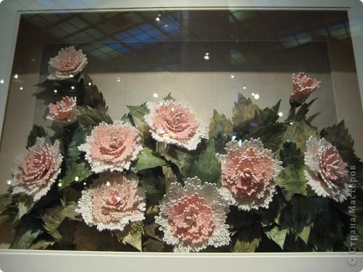 В Дарвиновском музее проходила выставка Бумагомагия, которую организовал Центр Корейского бумажного творчества, которым руководят госпожа Им Сон Ми и Ли Тамара Владимировна. Все работы, представленные на выставке - это работы мастеров Цента Корейского бумажного творчества фото 17