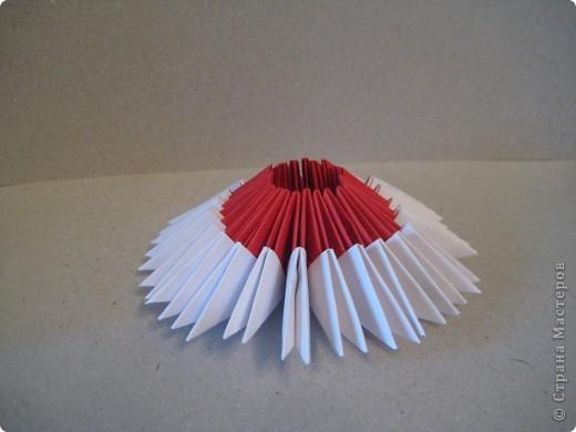 Кукла изготовлена методом модульного оригами. Волосы - из нитей. фото 16