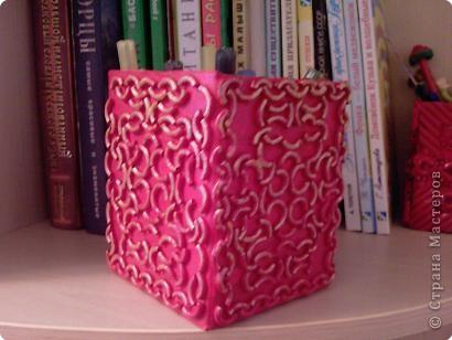 Коробка, макароны и краска в баллончике. фото 2