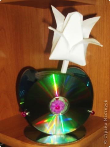 Поделки из CD-дисков или всё ненужное в дело! фото 3