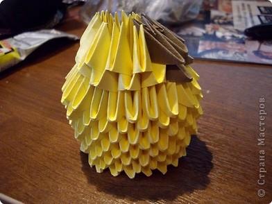 Мастер класс по изготовлению коня.Для этого нам понадобится 366 модулей желтого цвета и 36 коричневого фото 9