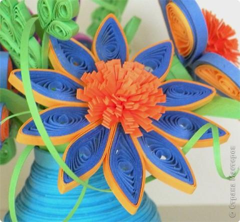 Квиллинг: Мастер класс: как сделать красивый цветок. фото 31