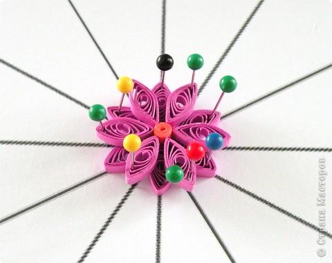 Квиллинг: Мастер класс: как сделать красивый цветок. фото 28