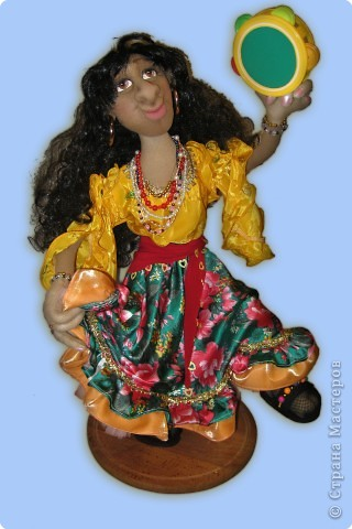 Самая первая кукла котрую я сшила, когда ходила на курсы. Ирой ее назвала моя дочка.