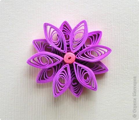 Квиллинг: Мастер класс: как сделать красивый цветок. фото 30