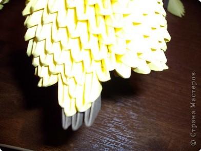 Мастер класс по изготовлению коня.Для этого нам понадобится 366 модулей желтого цвета и 36 коричневого фото 25