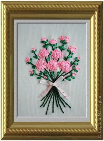 Вышивка: Букетик цветов