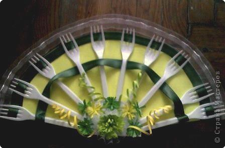 Это мой вариант веера! Использовала 10шт. вилок, 1м. зеленой ленты, 1м. гипюровой ленты.  фото 1