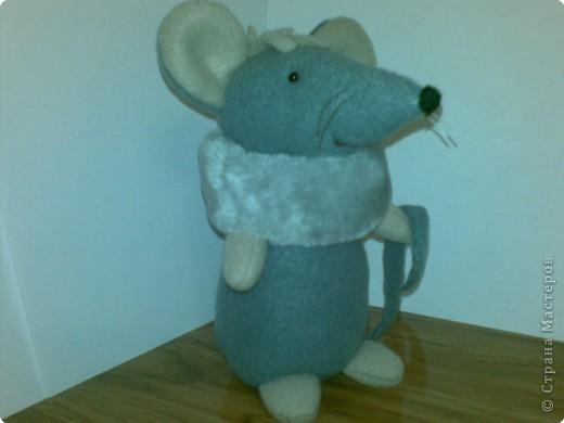 Шуша - мышка,сшита из флиса,воротничок - мех,усики -леска,набивка - синтепон. фото 2