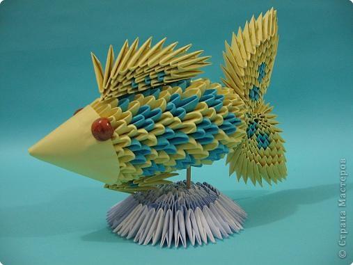 Рыбка в технике модульного оригами.