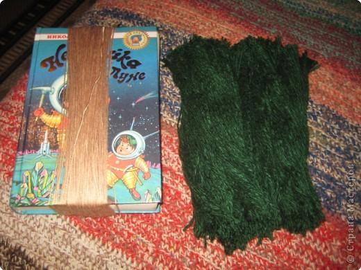 Хочу показать как делать куклу из ниток, может кому пригодится.. фото 2