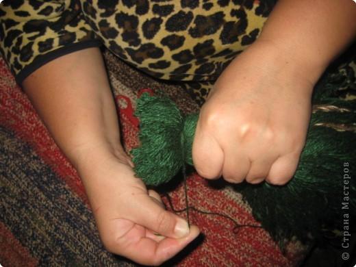 Хочу показать как делать куклу из ниток, может кому пригодится.. фото 5
