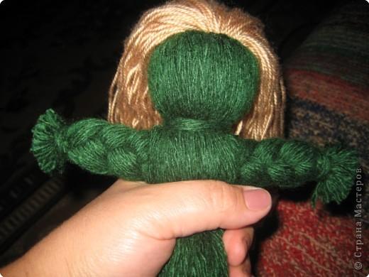 Хочу показать как делать куклу из ниток, может кому пригодится.. фото 10