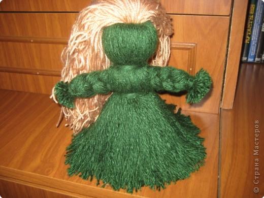 Хочу показать как делать куклу из ниток, может кому пригодится.. фото 14
