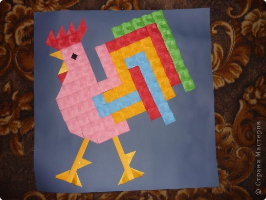 Такое мозаичное панно кружковцы делали на Новый год в год петуха. Каждая деталь открывается как конвертик и внутрь можно положить написанное пожелание или маленькую наклейку. Ещё вариант- использовать мозаику как гадалку. фото 1