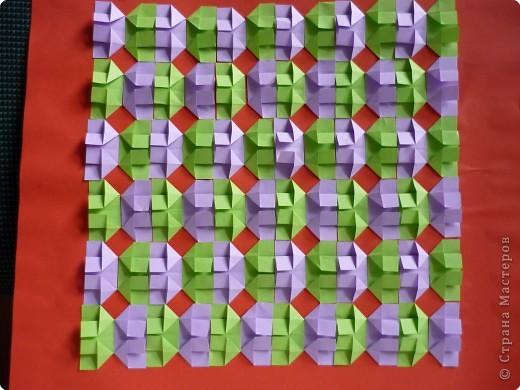 Такое мозаичное панно кружковцы делали на Новый год в год петуха. Каждая деталь открывается как конвертик и внутрь можно положить написанное пожелание или маленькую наклейку. Ещё вариант- использовать мозаику как гадалку. фото 4