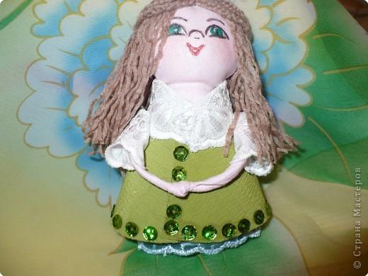 Много кукол необычных, круглолицых, симпатичных, все в корзиночке живут,песни весело поют. фото 6