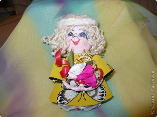 Много кукол необычных, круглолицых, симпатичных, все в корзиночке живут,песни весело поют. фото 8
