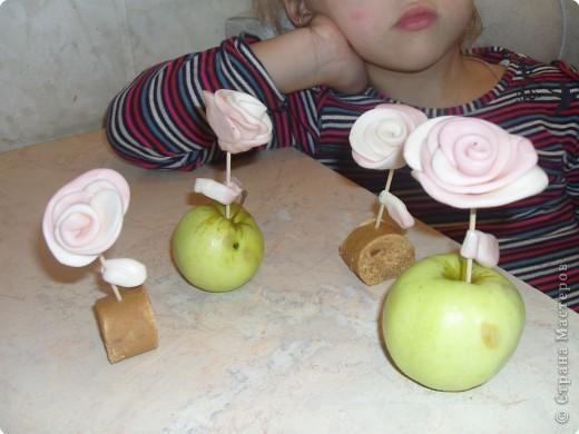 Это цветы для любимых воспителей (и себя с мамой не забыла) фото 1