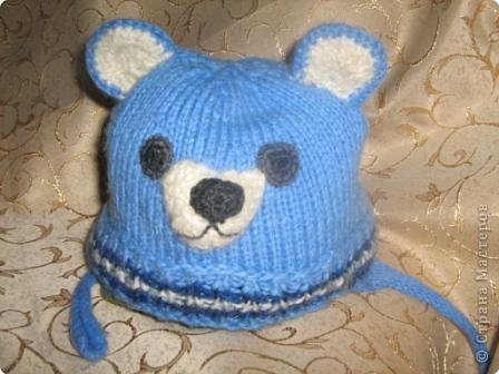 Детская вязанная шапочка медвежонок