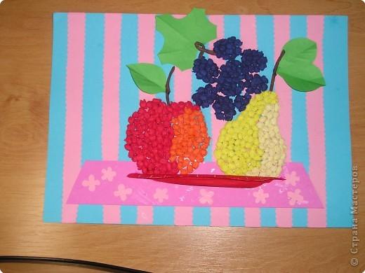 Осенние фрукты (коллективная семейная работа по заданию из детского сада)