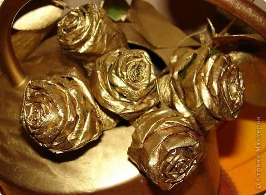утром покрасила розы и уехала в магазин, так дочка не вытерпела и лейку мне покрасила так и решили оставить фото 2