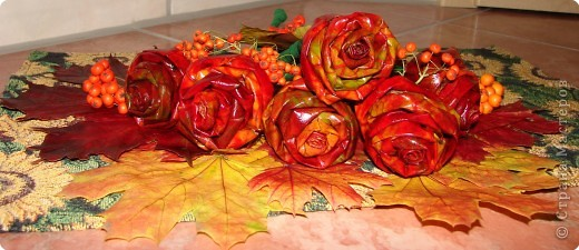 утром покрасила розы и уехала в магазин, так дочка не вытерпела и лейку мне покрасила так и решили оставить фото 3