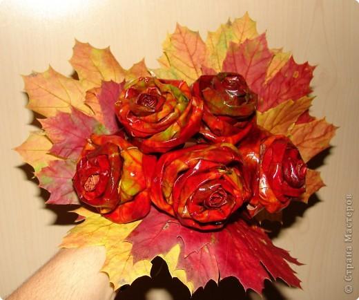 утром покрасила розы и уехала в магазин, так дочка не вытерпела и лейку мне покрасила так и решили оставить фото 4