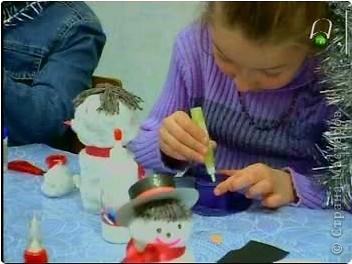 К прошлогодним Новогодним праздникам делали с ребятами игрушки - сувениры. фото 15
