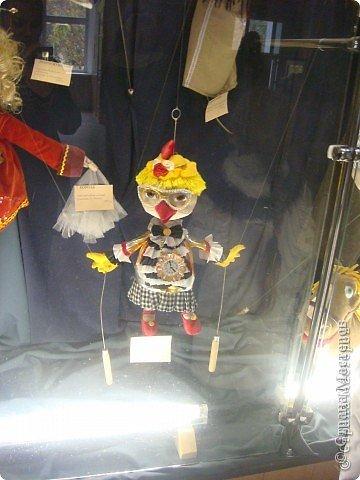 Выставка кукол в фойе. Куклы чарующе манят... в сказку. фото 6