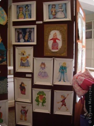 Выставка кукол в фойе. Куклы чарующе манят... в сказку. фото 9