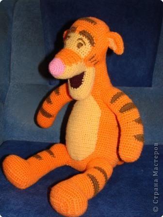 Для вязания игрушки Тигра размером примерно 17,5 см пригодится.