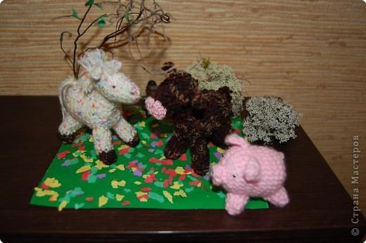 Жеребенок, теленок и поросенок.