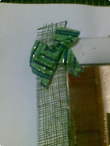 белое зеркало кагдато бало не красивым коричневым я его покрасила поклеила пленку из травы=) фото 4