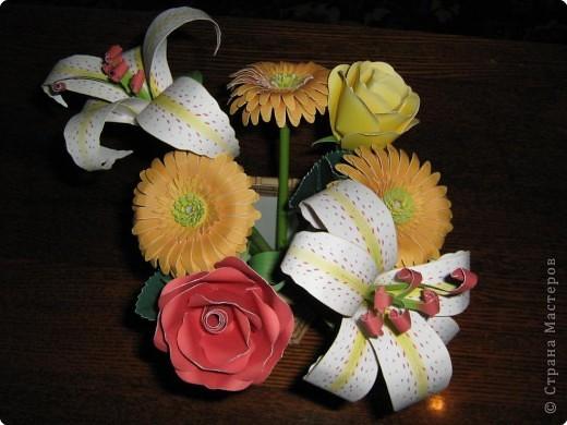Букет из роз, лилий и гербер фото 1