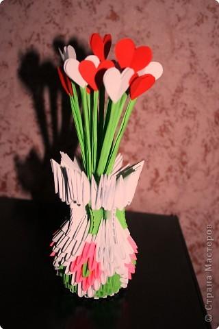 Ваза с цветами-сердцами